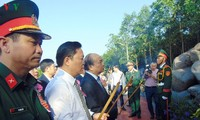 Premier vietnamita participa en acto inaugural del Templo de Mártires en Quang Nam