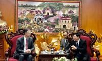 Embajador estadounidense visita la Voz de Vietnam