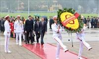 Celebran programa artístico anual para saludar a los vietnamitas en ultramar