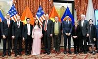 Fortalecen relaciones Vietnam-Estados Unidos después de 25 años de normalización