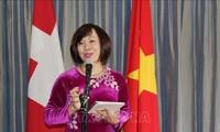 Vietnam fortalece cooperación económico-comercial con Suiza
