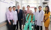 No se debe ser negligente ante el virus SARS-CoV-2, recuerda paciente británico Stephen Cameron