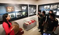 Celebran exposiciones en saludo a grandes efemérides de Vietnam
