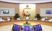 """Gobierno vietnamita reafirma determinación de cumplir su """"doble objetivo"""" en el tiempo epidémico"""