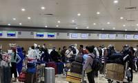 Traen de vuelta al país a más de 240 vietnamitas varados en Filipinas