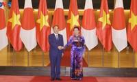 Presidenta del Parlamento vietnamita se reúne con Suga Yoshihide