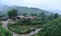 La nueva vida en la aldea de reasentamiento de Huoi Hoc