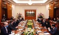 Jefe del Departamento Económico del Partido Comunista de Vietnam recibe al director general de la DFC