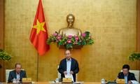 Gobierno vietnamita debate la situación socioeconómica en lo que va del año