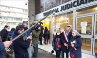 Manifestaciones en París piden justicia a las víctimas del agente naranja/dioxina