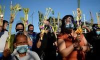 Millones de personas reciben la Misa de Pascua en medio de la pandemia