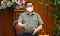 El primer ministro vietnamita demanda tratar estrictamente las violaciones en la lucha antiepidémica