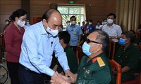 Presidente vietnamita visita en Ha Nam a personas meritorias patrióticas