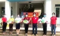 Cruz Roja de Vietnam acompaña a los pobladores en la lucha contra el covid-19