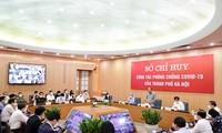 El presidente de Vietnam trabaja con el Mando de Prevención y Control del covid-19 de Hanói