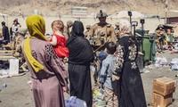 Talibanes permitirán la evacuación de personas después del 31 de agosto