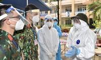 Premier vietnamita supervisa en línea el control del covid-19 en el sur