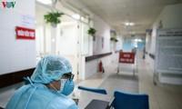 新型コロナウイルスとの闘いに先頭を立つ人たち
