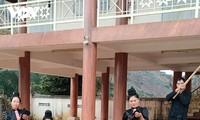 タイ族の伝統文化の保存に取り組むヒン村