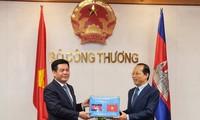 ベトナムとカンボジア、貿易、工業等で、協力を強化