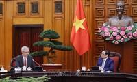 チン首相、フランスの大使と会見