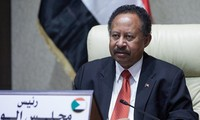 スーダン 反政府デモが再燃 米特使は民主化支える姿勢を強調
