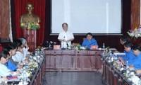 Ketua MN Vietnam Nguyen Sinh Hung mengadakan temu kerja dengan Pengurus Besar Liga Pemuda Komunis Ho Chi Minh