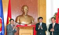 PM Vietnam Nguyen Tan Dung melakukan kunjungan  resmi di Kamboja