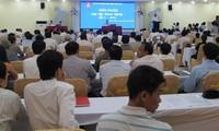 Provinsi Dac Lac mengadakan pertemuan dan dialog dengan badan-badan usaha
