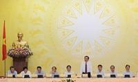 Pemerintah Vietnam berfokus memberikan bimbingan secara gigih untuk mencapai hasil-guna  sosial-ekonomi