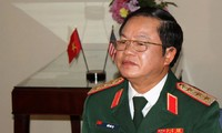 Letnan  Jenderal Do Ba Ty menerima delegasi Kementerian Angkatan Bersenjata  Revolusioner Kuba.
