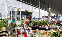 Tanggal 22 Agustus -hari belasungkawa  nasional mengenangkan para korban kasus jatuhnya pesawat terbang  MH-17