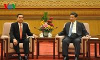 Mendorong  hubungan strategis Vietnam-Tiongkok  berkembang  secara sehat dan stabil