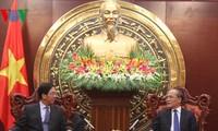 Ketua MN Vietnam, Nguyen Sinh Hung menerima  Dubes Republik Rakyat Tiongkok, Hong Xiao-yong