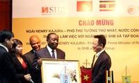 Deputi Pertama Perdana Menteri Republik Uganda berkunjung di Vietnam