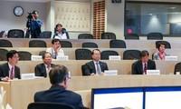 Deputi PM Vietnam, Vu Van Ninh  mengadakan temu kerja dengan para sarjana Universitas Harvard.