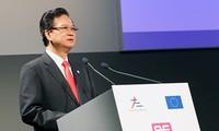 Perdana Menteri  Vietnam, Nguyen Tan Dung mulai menghadiri ASEM-10
