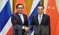 Thailand-Tiongkok  mendorong hubungan bilateral.