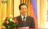 Akvitas-aktivtias  memperingati ultah ke-70 berdirinya Tentara Rakyat Vietnam di banyak negara.