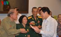 Presiden Vietnam, Truong Tan Sang  menghadiri pertemuan  Badan Hubungan  veteran tahanan perang Vietnam