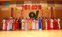 Komunitas orang Vietnam di Republik Korea dan Perancis mengadakan program menyambut Musim Semi Baru-2015.