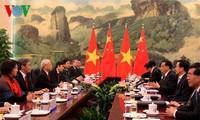 Mendorong perkembangan  hubungan Vietnam-Tiongkok