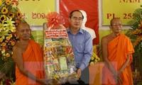 Ketua Pengurus Besar Front Tanah Air Vietnam, Nguyen Thien Nhan  mengucapkan selamat Hari Raya Tet tradisional  kepada warga Khmer