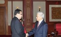 Sekjen KS PKV Nguyen Phu Trong  menerima Sekjen Partai  Farabundo Marti (FMLN), El Savador