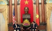 Presiden Vietnam Truong Tan Sang menerima Menlu AS, John Kerry.