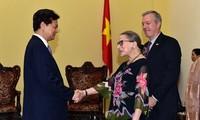 PM Vietnam, Nguyen Tan Dung menerima  Hakim Mahkamah Agung AS