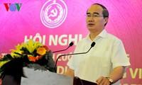 Meningkatkan kualitas, daya saing dan membina brand produk dan barang dagangan Vietnam.