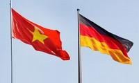 Memperingati ultah ke-40 penggalangan hubungan diplomatik Vietnam-Republik  Federasi Jerman dan ultah ke-25 Penyatuan Negeri Jerman
