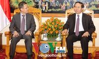 Mengintensifkan hubungan kerjasama antara Kementerian Keamanan Publik  Vietnam dan Kementerian Dalam Negeri Singapura