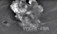 Rusia melakukan serangan terhadap instalasi-instalsi penyaringan minyak yang dikontrol oleh IS